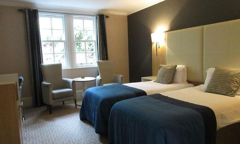 OULTON HALL HOTEL, LEEDS | Book Hotel Rooms in Leeds At Great Rates